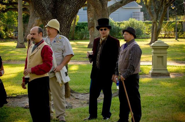 steampunk wedding, steampunk bride and groom, louise black corset, retroscope fashion, kempner park galveston, garten verein, galveston, wedding, steampunk picnic, gentleman's emporium