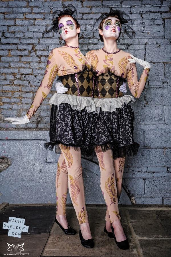 Siamesische Zwillinge Nackt