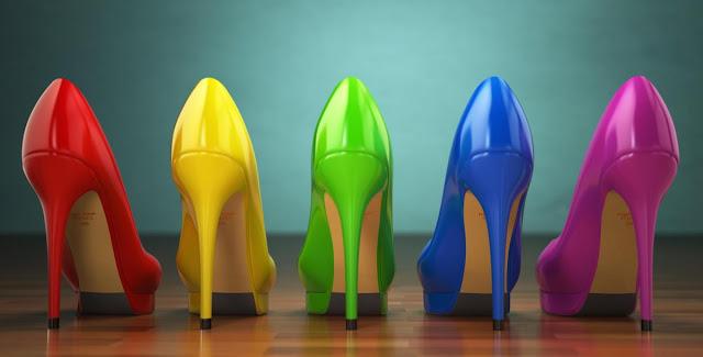 أناقة المرأة تبدأ من القدمين.. وهذه نصائح لاختيار الحذاء المناسب