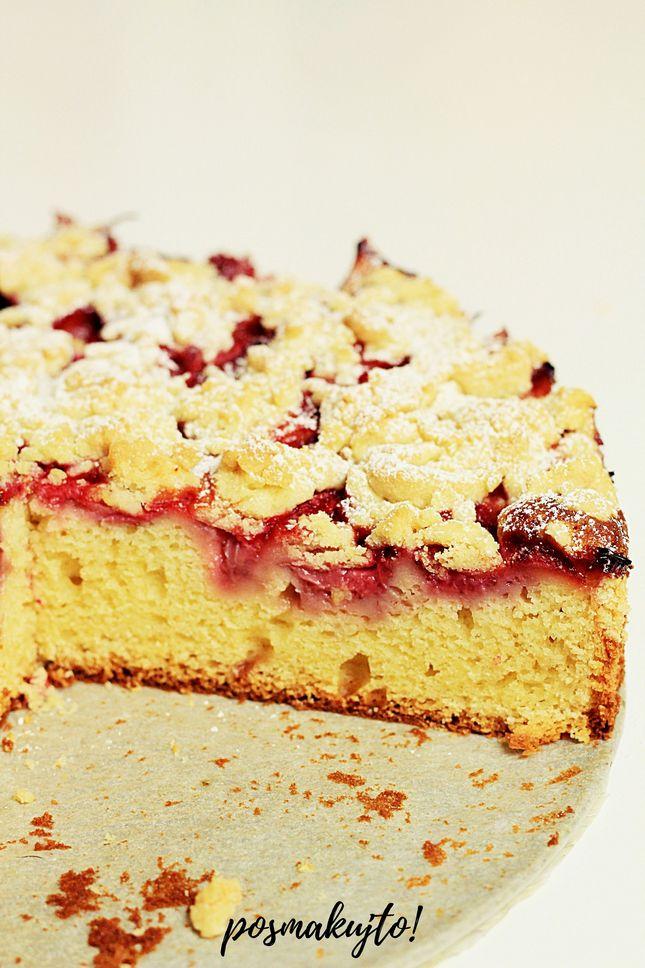 jogurtowe-ciasto-z-truskawkami-i-kruszonka