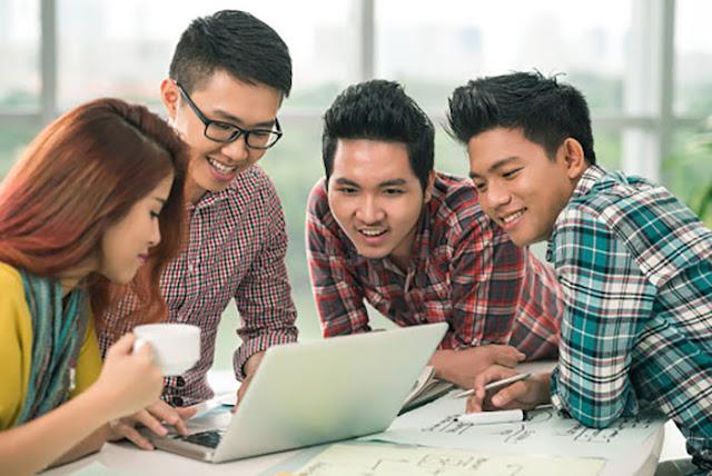 Waktu Kuliah Kelas Karyawan Beberapa Universitas