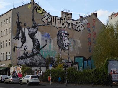 dicker Hase... kann auch was anderes sein - wer weiß! by: One Truth || Graffiti in Berlin