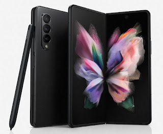 सैमसंग ने कल रात को अपने नए नवेले फोल्डेबल फ्लैगशिप फ़ोन गैलेक्सी ज़ी/ जेड फोल्ड3 5जी (Galaxy Z Fold3 5G) से पर्दा उठा दिया