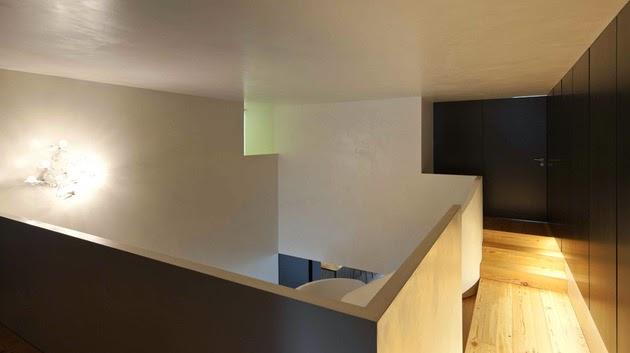 dengan reorganisasi dan pendefinisian ulang ruangan untuk membuat setiap bab menjadi l Rancangan Rumah Minimalis dengan Interior Kecil