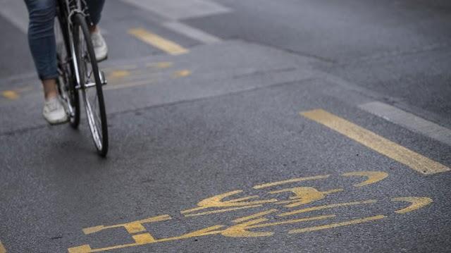 Felfüggesztettet kértek a kerékpáros budapesti nőre, akinek a rendőrös videója bejárta a netet