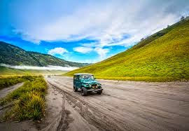 http://www.wisatabromo.my.id/2015/05/sewa-jeep-bromo-murah.html