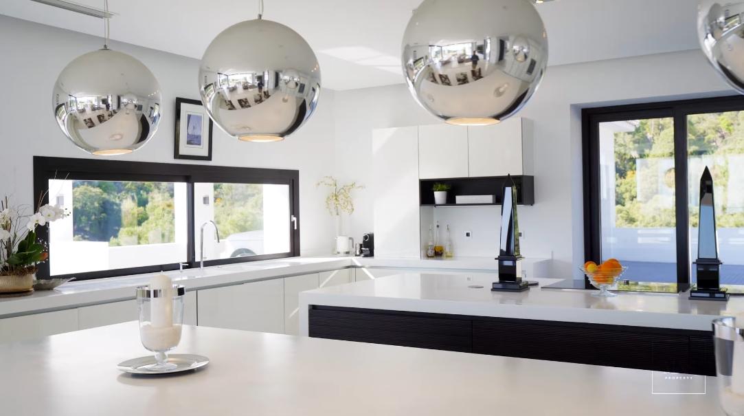 70 Interior Design Photos vs. Villa Cristal La Zagaleta Tour