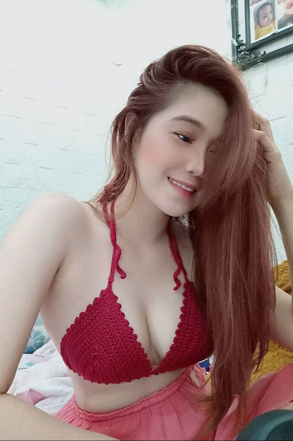 Hot and sexy big boobs photos of beautiful busty asian hottie chick Pinay freelance model Tina Arlan photo highlights on Pinays Finest sexy nude photo collection site.
