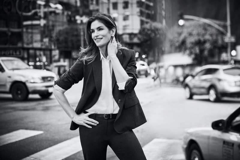 Cindy Crawford Looks Chic in Jones New York Spring 2020 Campaign