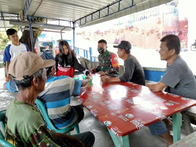 Cegah Penyebaran Covid-19 Dalam Ops PPKM, Personel Jajaran Kodim 0207/Simalungun Berikan Himbauan Pada Warga