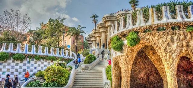 Melihat Situs-Situs Warisan Budaya Dunia di Barcelona