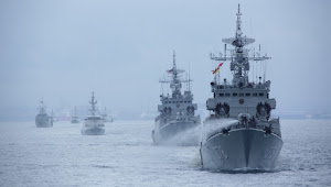TNI AL Kerahkan  Kapal Perang dan  Pesawat Udara Untuk Latihan di Laut Natuna Selatan