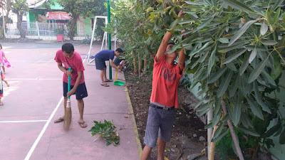Warga RT 04 RW 09 Perumahan Taman Wisma Asri Bekasi Utara, Jalankan Program Kerja 3 Jam Ceria.