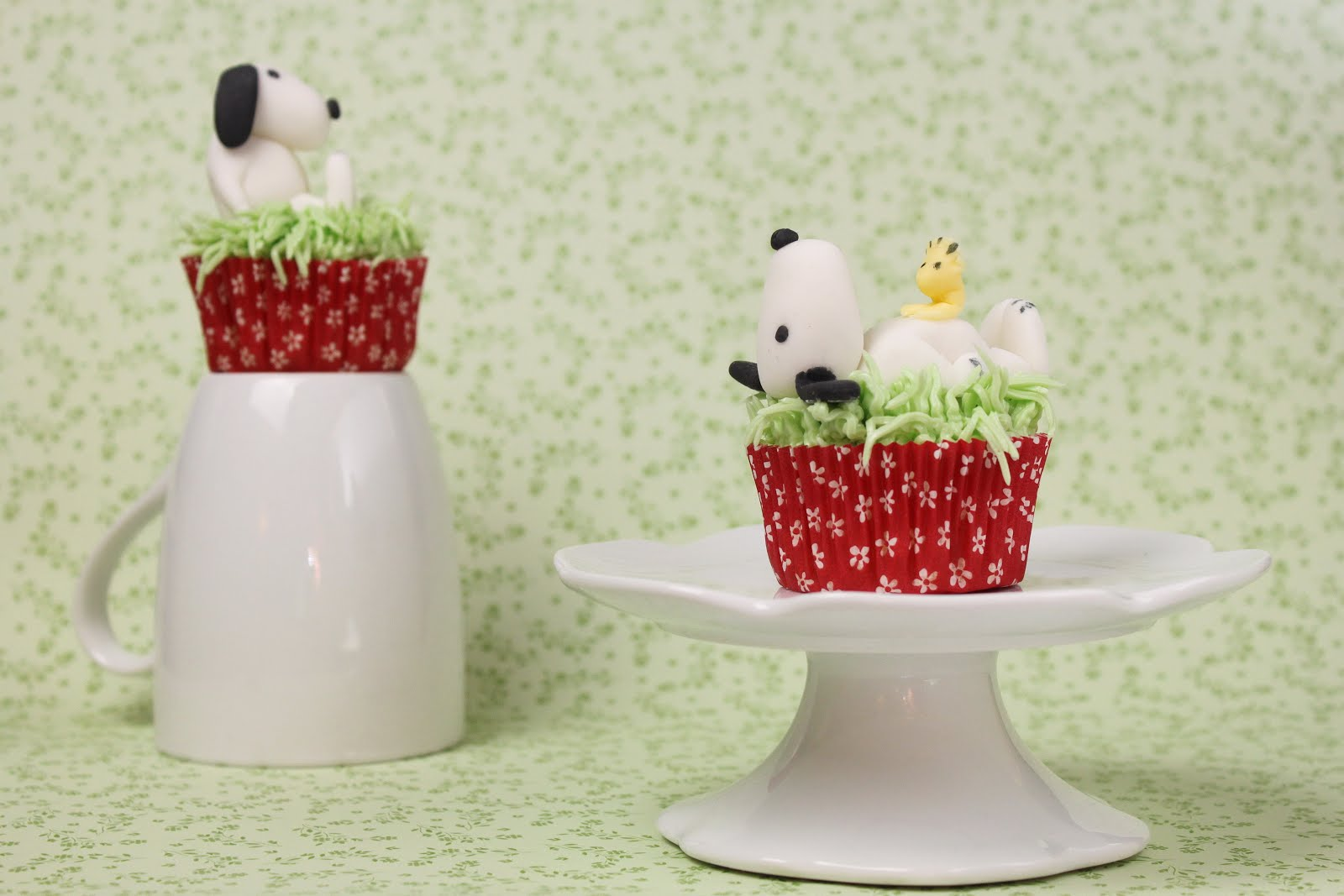 snoopy cupcake topper cupcake deko aus fondant jamblog. Black Bedroom Furniture Sets. Home Design Ideas