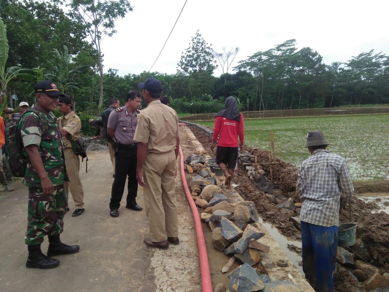 Danramil Warungasem Bersama Tim Laksanakan Monev ADD/DD di Tiga Desa
