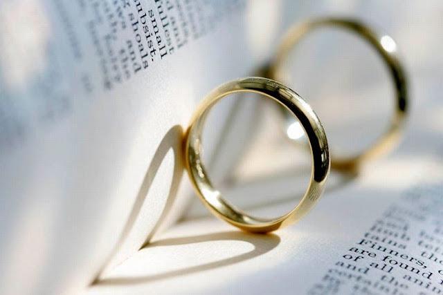 Chọn nhẫn cưới dưới 5 triệu với mẫu trơn sẽ không bị mắc các vật dụng khác trong quá trình sử dụng lâu dài