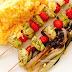 Spiedini di carne con riso e verdure