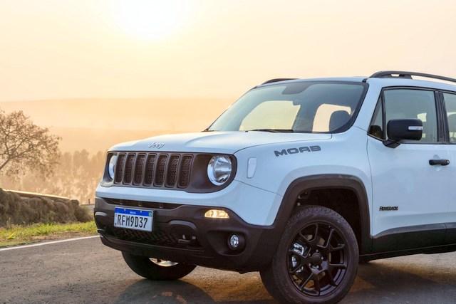Jeep Renegade tem recorde de vendas em dezembro e ultrapassa marca de 300 mil unidades comercializadas no Brasil desde o lançamento
