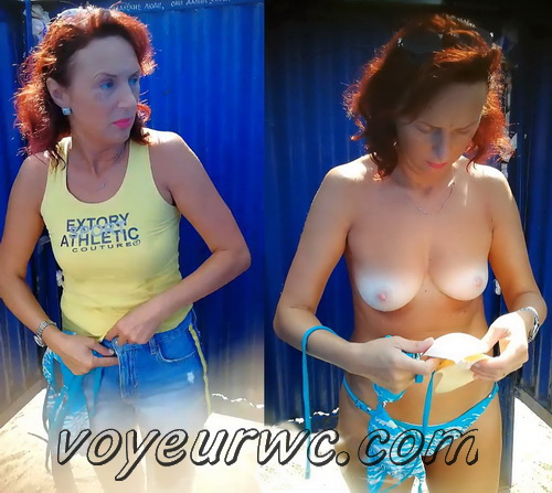 Beach Cabins 23955-24163 (Spy Cam - Young Beautiful Women Dress up in a Beach Cabin)