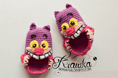 http://krawka.blogspot.com/2014/09/cheshire-cat-baby-booties-pattern.html
