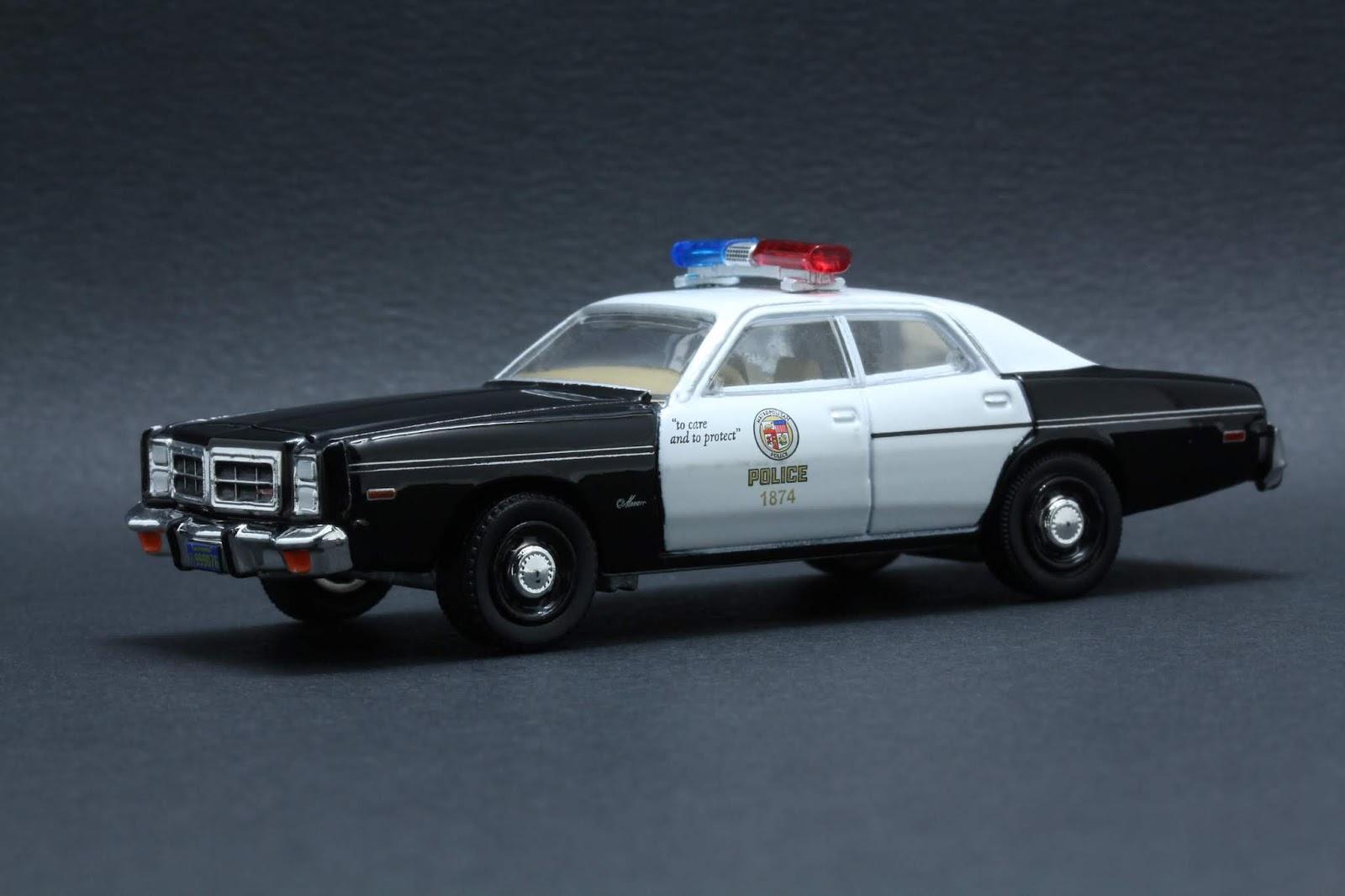 Diecast Hobbist: 1977 Dodge Monaco Metropolitan Police _ The