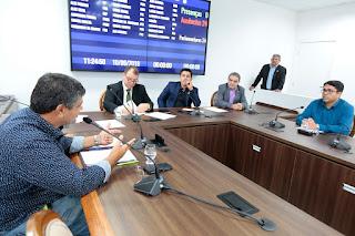 Comissão de Saúde recebe gestores de Guajará-Mirim para responder denúncias sobre ambulâncias