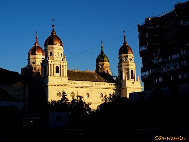 Iaşi Catedrala Metropolitanã - rasarit-Apus- blog FOTO-IDEEA