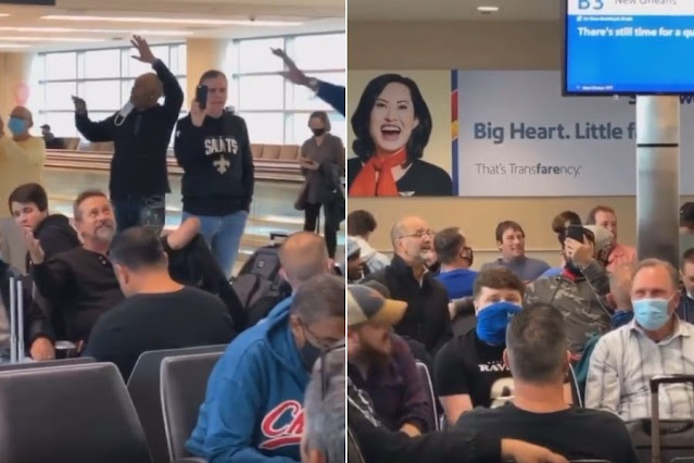 Pastor leva passageiros a cantar 'Amazing Grace' no saguão do Aeroporto de Chicago