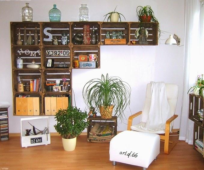 reutilizar caixotes de madeira estante sala