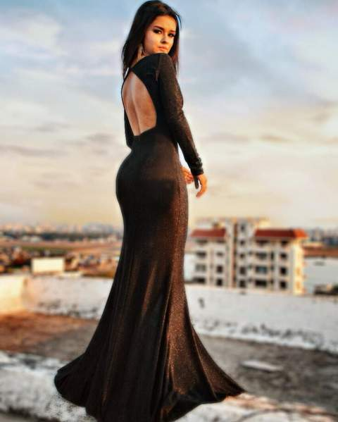 avneet-kaur-backless-dresses