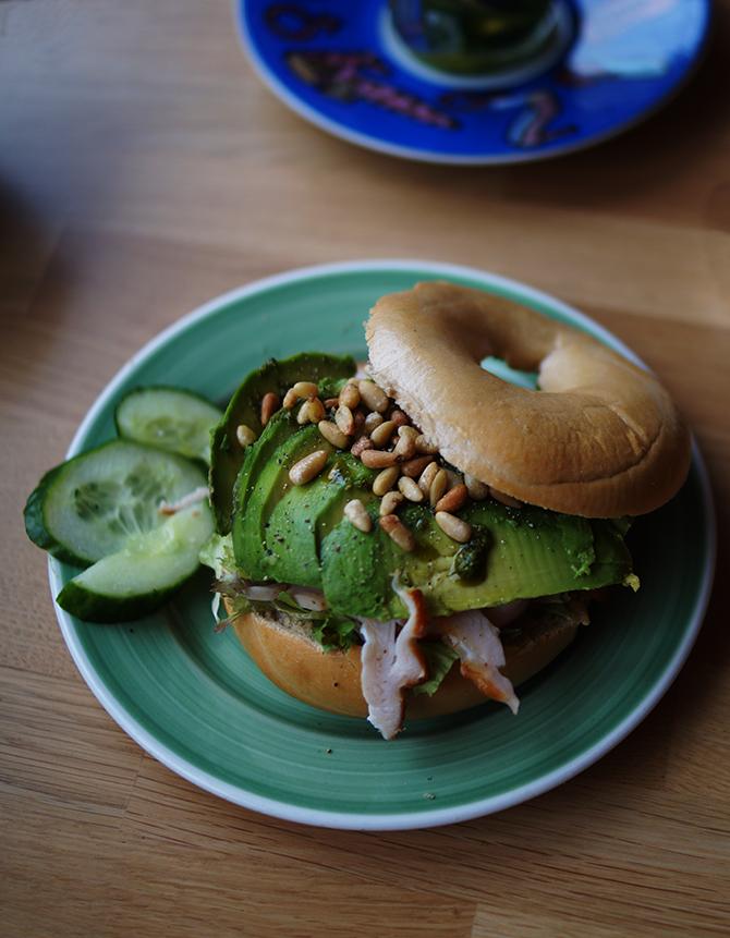 Bagel met avocado