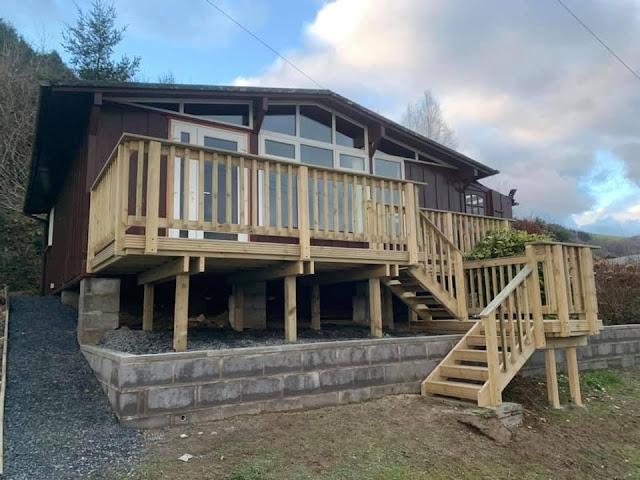 Timber decking Llanwrin, Machynlleth
