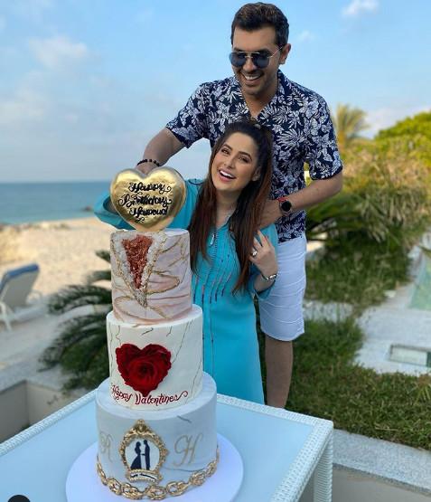 هكذا احتفلت الإعلامية الإماراتية رؤى الصبان بعيد ميلاد زوجها حمود الفايز