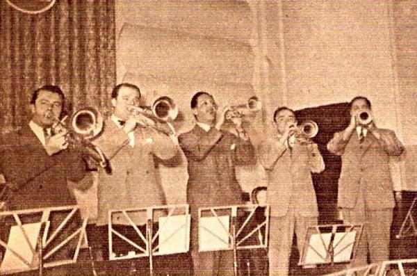 La sección bronces de Héctor y su jazz