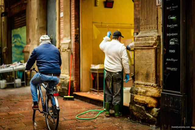 Dom z Kamienia una delle vie di Bologna