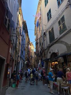 Via Giovanni Capellini - Porto Venere - crowded with tourists