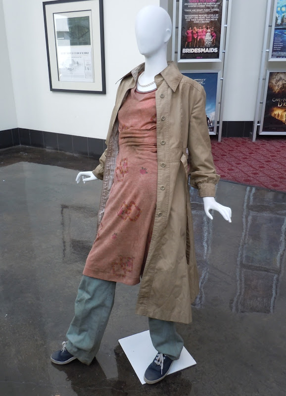 Super 8 Elle Fanning movie costume