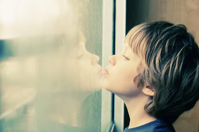 Drogas psiquiátricas para crianças: A inconsequente indústria farmacológica