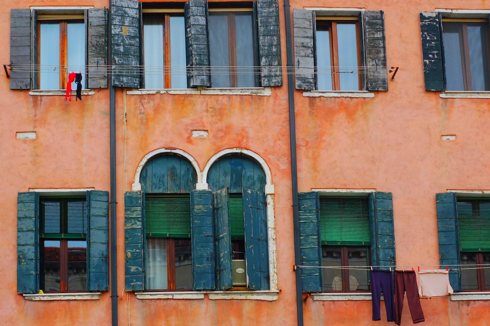 Le Chameau Bleu - Venise au balcon - Italie