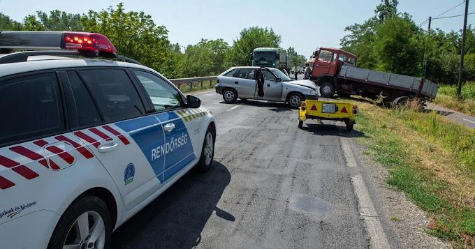 Teherautó és személyautó ütközött össze Békéscsaba és Békés között