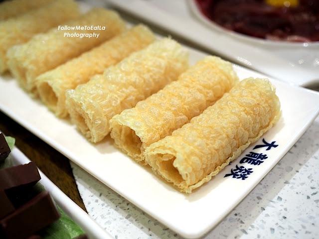 HK Rings Rolls RM 15