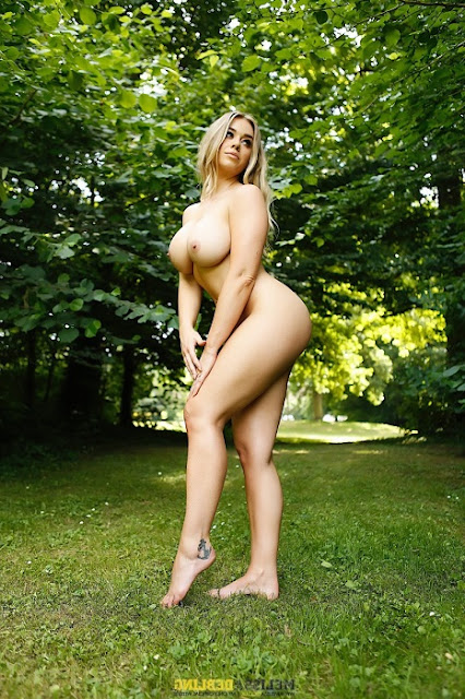 Melissa Debling full naked big boobs