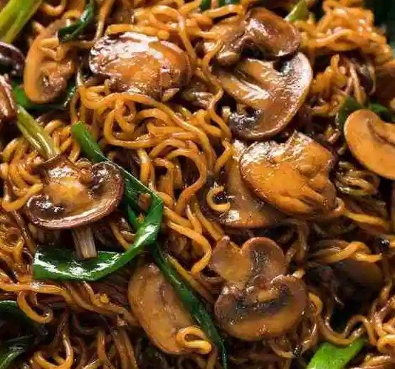 Asian Mushroom Ramen Noodles #vegetarian #dinner