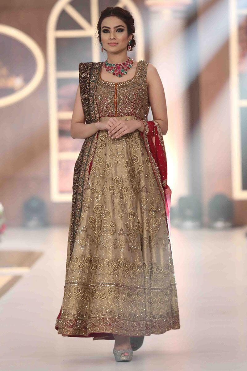 Aisha Imran's Walima Bridal Collection Features Red and beige Tissue Bridal Dress