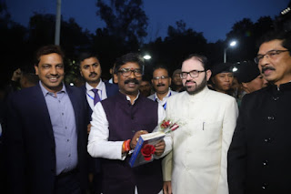 hemant-welcome-in-assembly