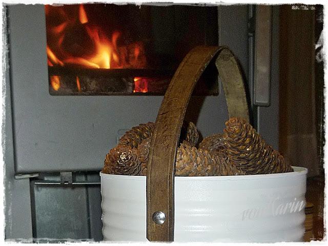 Teilausschnitt weisse Konservendose 10 kg mit Lederhenkel