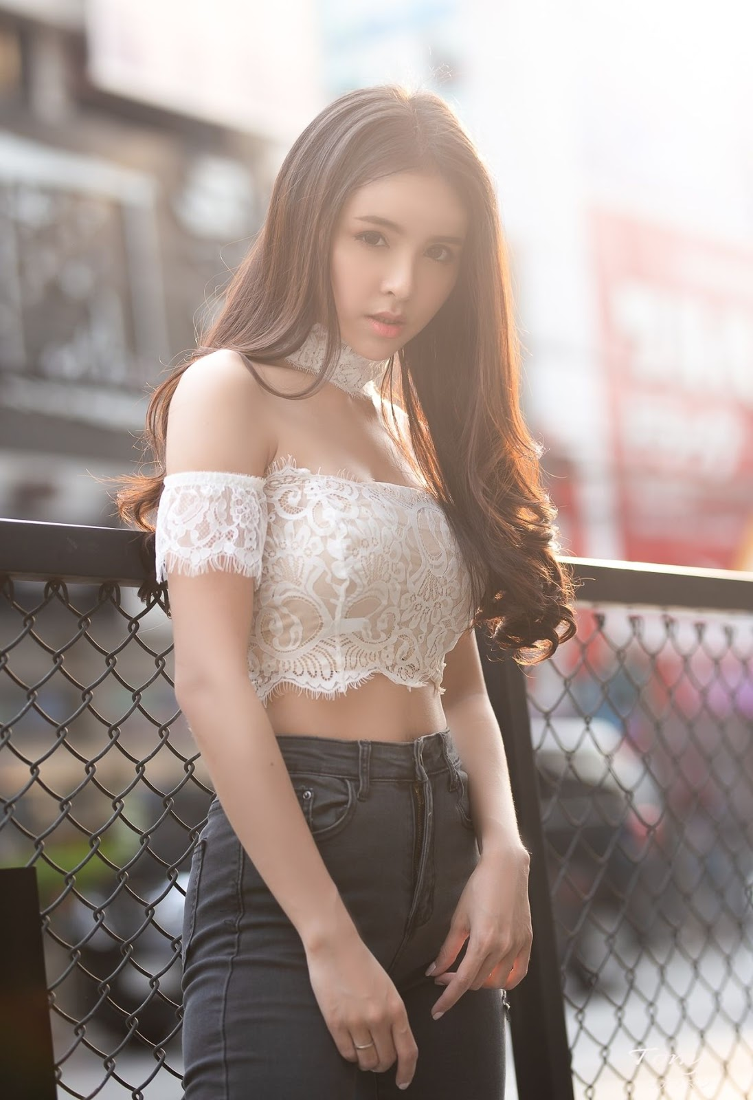 Image-Thailand-Beautiful-Model-Soithip-Palwongpaisal-Transparent-Lace-Crop-Top-And-Jean-TruePic.net- Picture-1