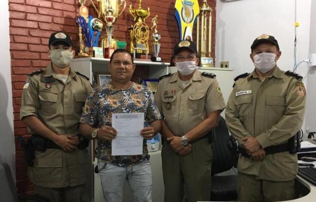 Subtenente Edivaldo completa 30 anos de serviços prestados na PMTO e assina requerimento em Araguatins