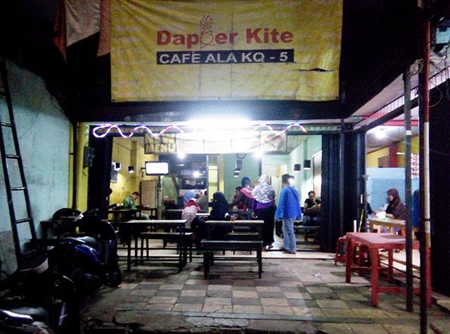 Dapoer Kite - Cafe Ala Kaki Lima