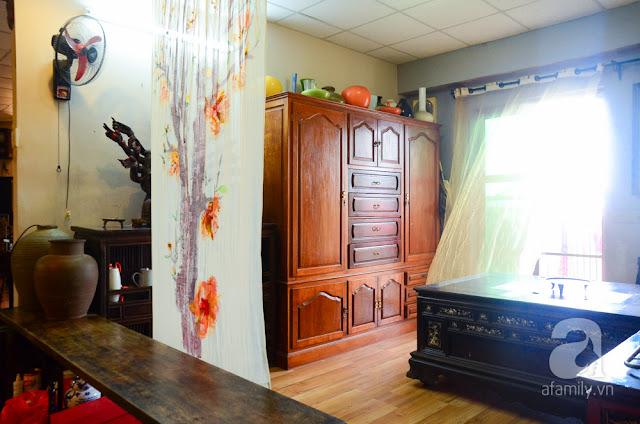 Khu trưng bày có thiết kế thoáng đãng, nhẹ nhàng với chiếc rèm mỏng ngăn cách…